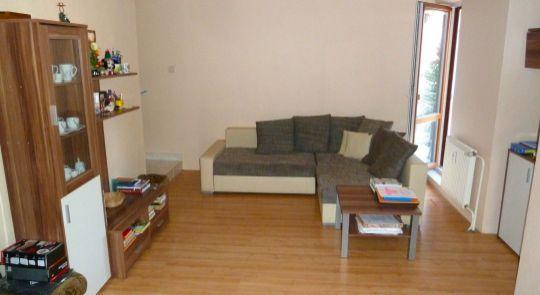 Na predaj slnečný 2 izbový byt v centre mesta Lučenec