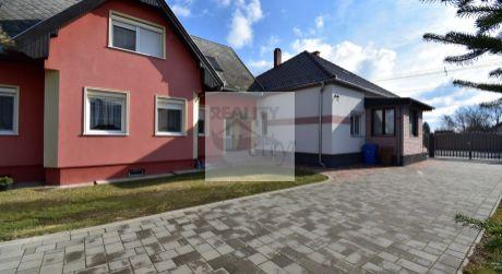 Dva domy na jednom pozemku, ideálne na 2 - generačné bývanie, Dunakiliti