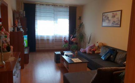 Znížená cena!! Ponúkame Vám na predaj kompletne prerobený 4 izbový byt v meste Štúrovo