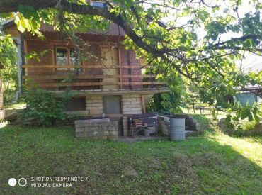 Na predaj murovaná záhradná chatka, 400 m2, Rajec