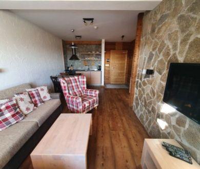 Exkluzívne u nás. Ponúkame na predaj krásny 2 izbový apartmán v Tatranskej Lomnici.
