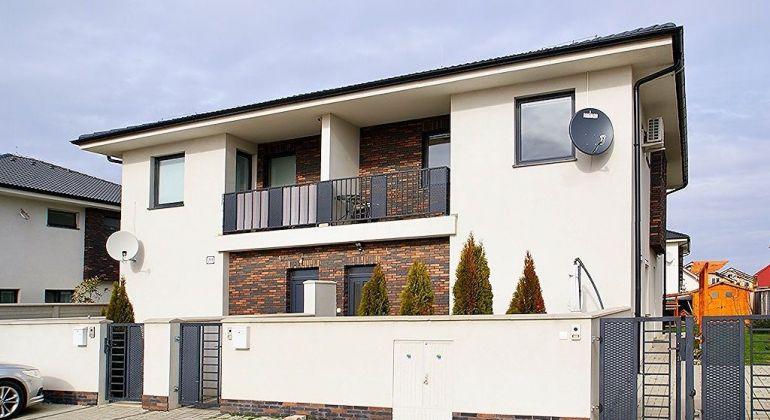 REZERVOVANÉ - Zariadený, klimatizovaný 3 izbový byt s terasou v Hviezdoslavove (č. Záhrady)