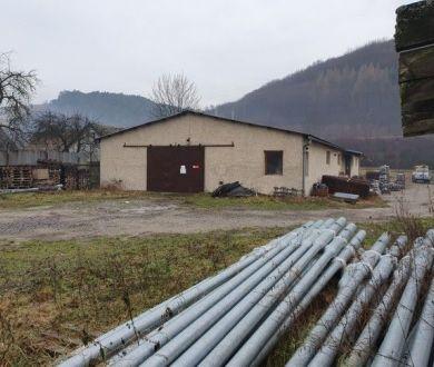 Ponúkame na predaj skladovú halu v obci Lúky neďaleko Púchova.