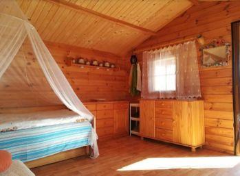 Ovocná 10 ár. záhrada s novou drevenou chatkou - Svätý Jur - Pezinok