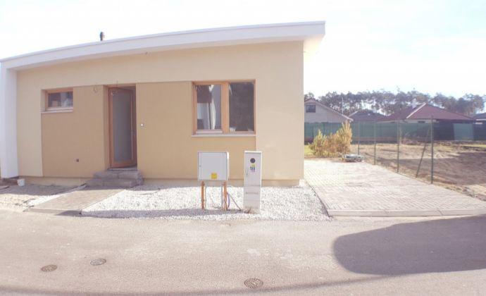PREDAJ, 4 izbový rodinný dom, Píniová Alej, Malacky