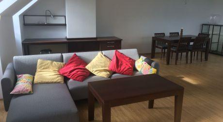 Prenájom nadštandardného 2 izbového bytu na Hviezdoslavovom námestí priamo v centre