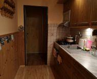 Ponúkame na predaj 2-izb. byt v centre Lučenca s balkónom .