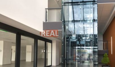 REALFINN - prenájom showroom/ kancelárskych priestorov v polyfunkčnej budove