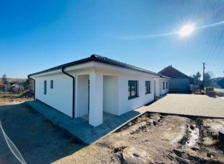 Exkluzívne APEX reality 4i. novostavba RD v Sasinkovo, pozemok 500 m2, rekuperácia, 130 m2