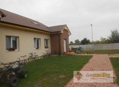 2906 Ponúkame rodinný dom v obci Okoč