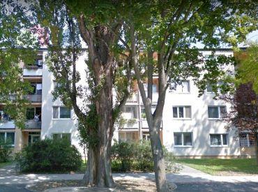 PREDÁM alebo VYMENÍM 3 izbový byt s balkónom v Piešťanoch na Lipovej za podobný s výťahom