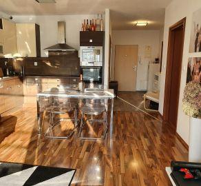 StarBrokers- PREDAJ: Krásny 2,5-izb. byt, loggia, garáž.státie a pivnica, novost. Kresánkova