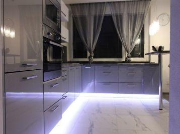 4 izbový luxusne zrekonštruovaný byt s balkónom