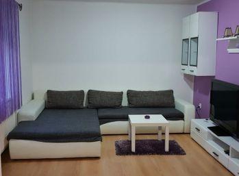 Prenájom zariadeného a vybaveného 2.izb bytu v Nitre v centre s parkovaním