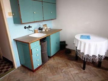 Poprad-centrum: 1-izbový byt  vhodný na investíciu.