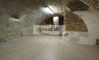 Skladovo - obchodný priestor Dunajská ulica, 36 m2 v suteréne