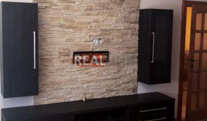 REALFINN  - ŠURANY - 3 izbový byt na predaj v centre mesta s kompletným zariadením