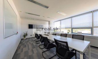 Moderné kancelárske priestory s parkovaním blízko centra už od 20m2