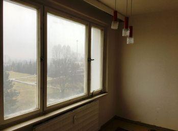 3-i byt 68 m2, pôvodný stav, LOGGIA, zrekonštruovaný dom, BEZPROBLÉMOVÉ PARKOVANIE