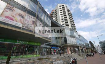 Obchodný priestor 193 m2 s výkladom na prízemí nákupného centra Vienna Gate