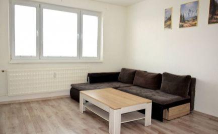 DMPD real Vám ponúka na predaj 2- izbový byt v Prievidzi na sídlisku Zapotôčky.
