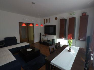 Trojizbový slnečný byt na Černákovej ulici