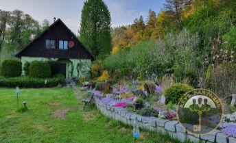 REZERVOVANÉ - Krásna romantická chata v obci Obišovce