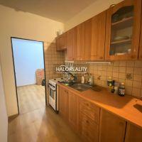 4 izbový byt, Tisovec, 91 m², Čiastočná rekonštrukcia