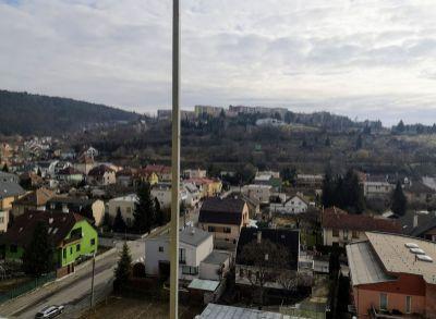 Možnosť pohodlného bývania v širšom centre Trenčína  formou prenájmu