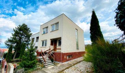 Exkluzívne APEX reality 4i. rodinný dom na Šomodskej ul. v Hc, pozemok 378 m2, garáž, terasa