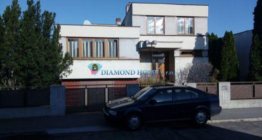 DIAMOND HOME s.r.o. Vám ponúka na predaj krásny 5 izbový rodinný dom s peknou záhradou neďaleko od Bratislavy v meste Šamorín!