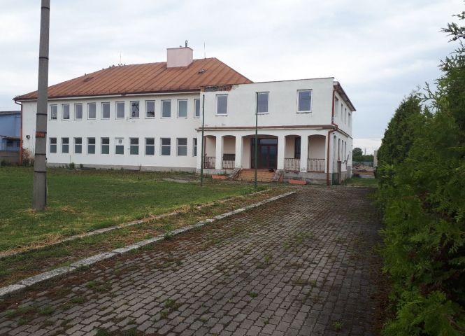 polyfunkčný objekt - Moldava nad Bodvou - Fotografia 1