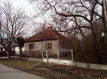 PREDANÉ - Okres Komárno - NA PREDAJ 3 izbový dom , Lokalita: ČIČOV