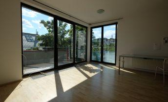 3-izb. byt s balkónom na prenájom  Nám. Slobody / 2-bedroom furnished apartment with balcony for rent on Nam. Slobody
