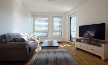 Nový zariadený 2-izb. byt s balkónom s parkingom v novostavbe Stein - Bernolákova ul.