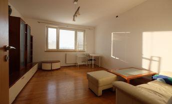 3-izb. byt s loggiou na začiatku Petržalky-Černyševského ul.