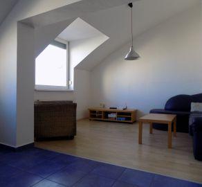 IBA U NÁS - STARBROKERS - Predaj  2 izb. bytu s galériou (mezanín), terasou, Kresánkova ul., BA IV - Dlhé diely