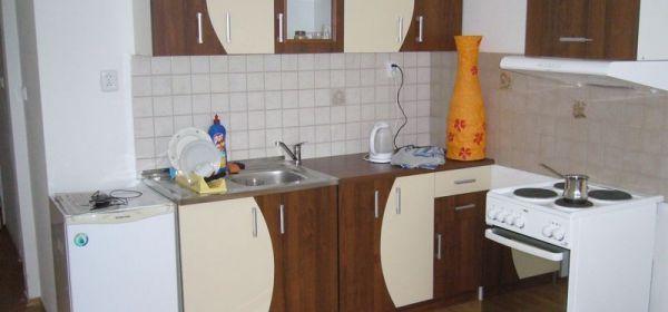 Malacky - 1 izb. byt v centre - prenájom