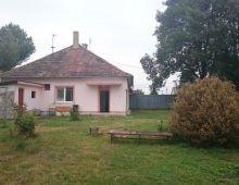 Predaj staršieho rodinného domu na priestrannom pozemku 1546 m2, DOPORUČUJEME!!! Len 30 km od BA