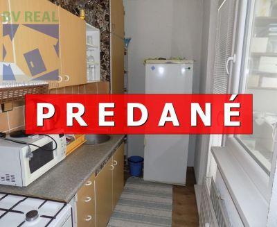 REZERVOVANÉ - na predaj 1 izbový byt 37 m2 Prievidza Palárika 10014