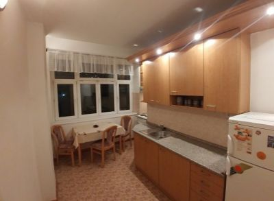 Komplet vybavený veľký 3-izbový byt vo výbornej lokalite pri OC CENTRÁL