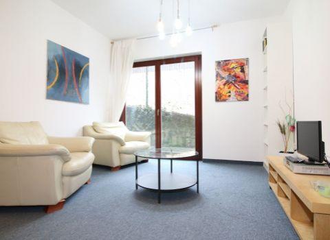 Na prenájom 2 izbový byt s parkingom pri Horskom parku