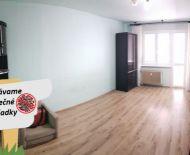 Dvojizbový byt s lodžiou na predaj na Sídlisku SNP v pôvodnom stave s plastovými oknami