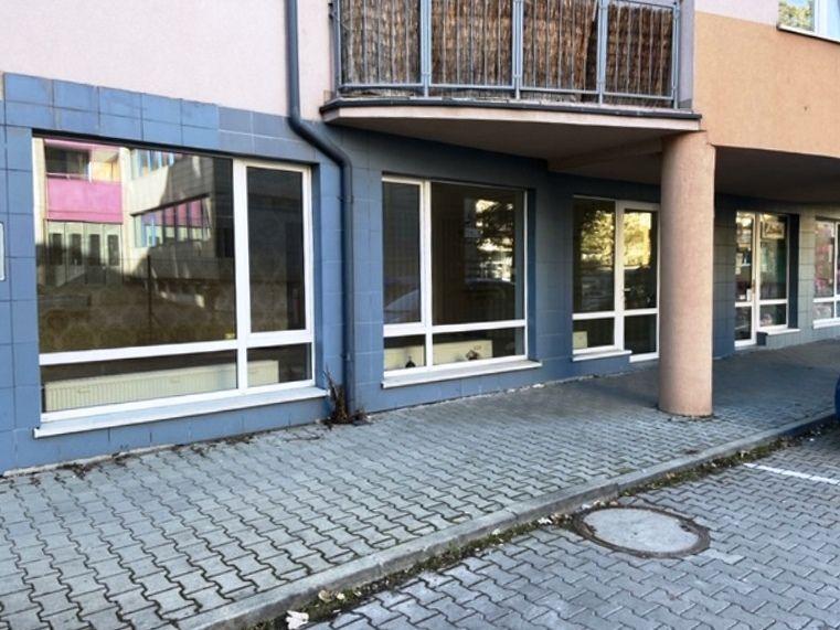 Obchodný objekt-Predaj-Liptovský Mikuláš-75000.00 €