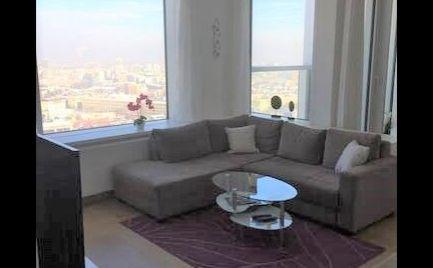 Ponúkame na prenájom kompletne zariadený 1-izbový byt na Landererovej ulici v novostavbe Panorama City pri nákupnom centre Eurovea