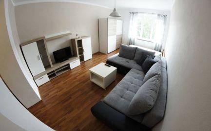 Exkluzívny 1-izbový byt kompletne zariadený v centre mesta Banská Bystrica