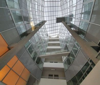 Exkluzívne u nás. Ponúkame na prenájom moderné nadštandardné administratívne priestory v Bratislave.