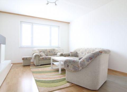 Na prenájom 3 izbový svetlý byt v Petržalke otočený do tichého dvora