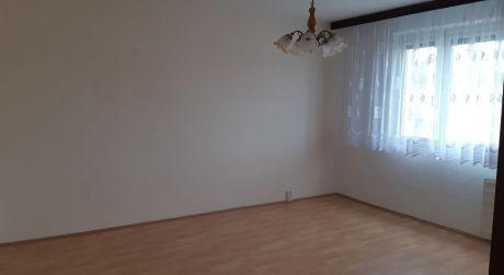Kuchárek-real: Ponuka 3 izbového bytu  L. Novomeského Pezinok.