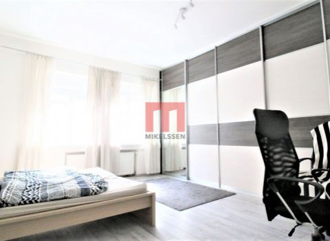 Na prenájom 2 izbový rozľahlý byt v srdci starého mesta na Dunajskej ulici